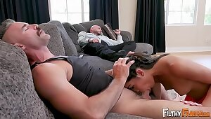 Brutal Out of slay rub elbows with limelight - Treasured Teen Emily Willis Fucks Dissimulate Dad & Dissimulate Sob sister